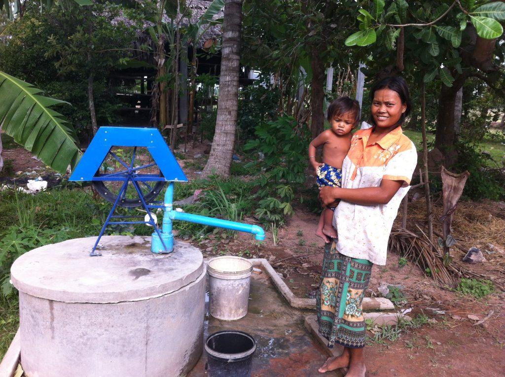 Doneer €550 voor een waterpomp voor toegang tot schoon drinkwater voor de armste gezinnen in onze regio.